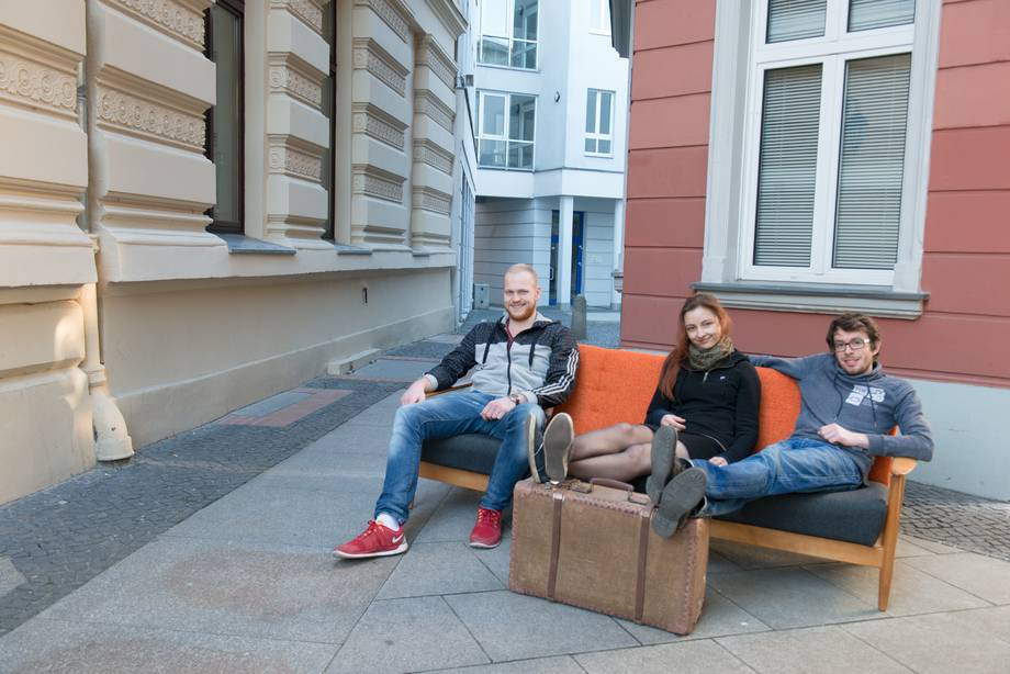 Students sitting on a sofa in Cottbus