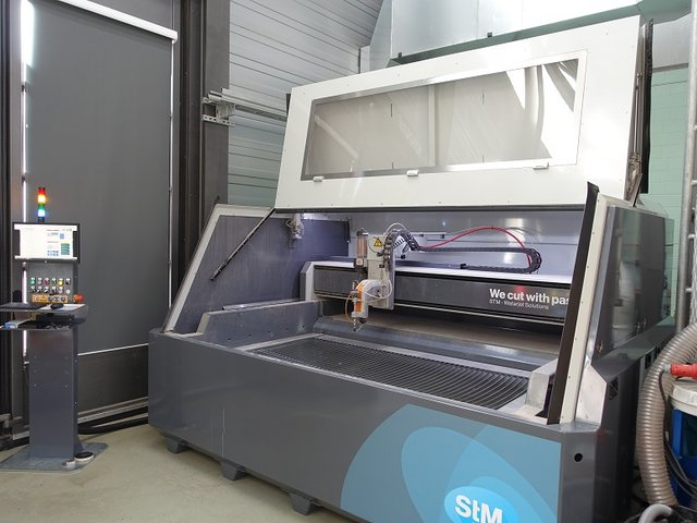 Waterjet cutting system STM 1020 Cube with open full enclosure